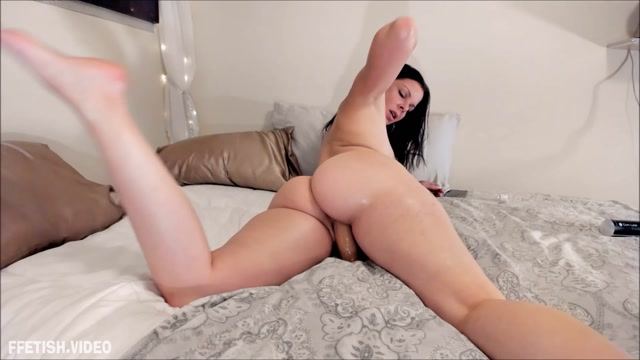AssondraSexton_-_Foot_Seduction.mp4.00008.jpg