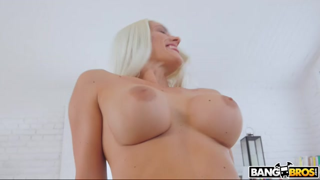 BangBros_-_MonstersOfCock_presents_Blanche_Bradburry_-_Her_First_Anal_Monster_Cock____03.01.2021.mp4.00002.jpg