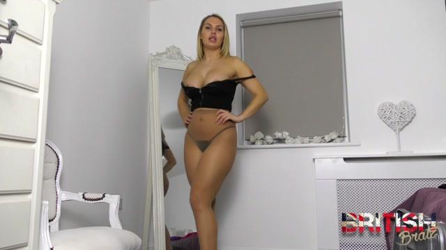 British_Bratz_-_Blackmailed_By_My_Nude_Pantyhose.mp4.00014.jpg