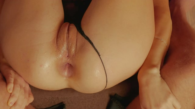ComeToDaddy_G_close_up_anal_fisting_my_asian_milf.mp4.00010.jpg