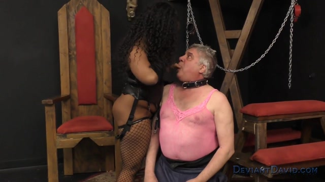 Ebony_femdom_goddess_roxie_ray_vs_deviant_david.mp4.00004.jpg