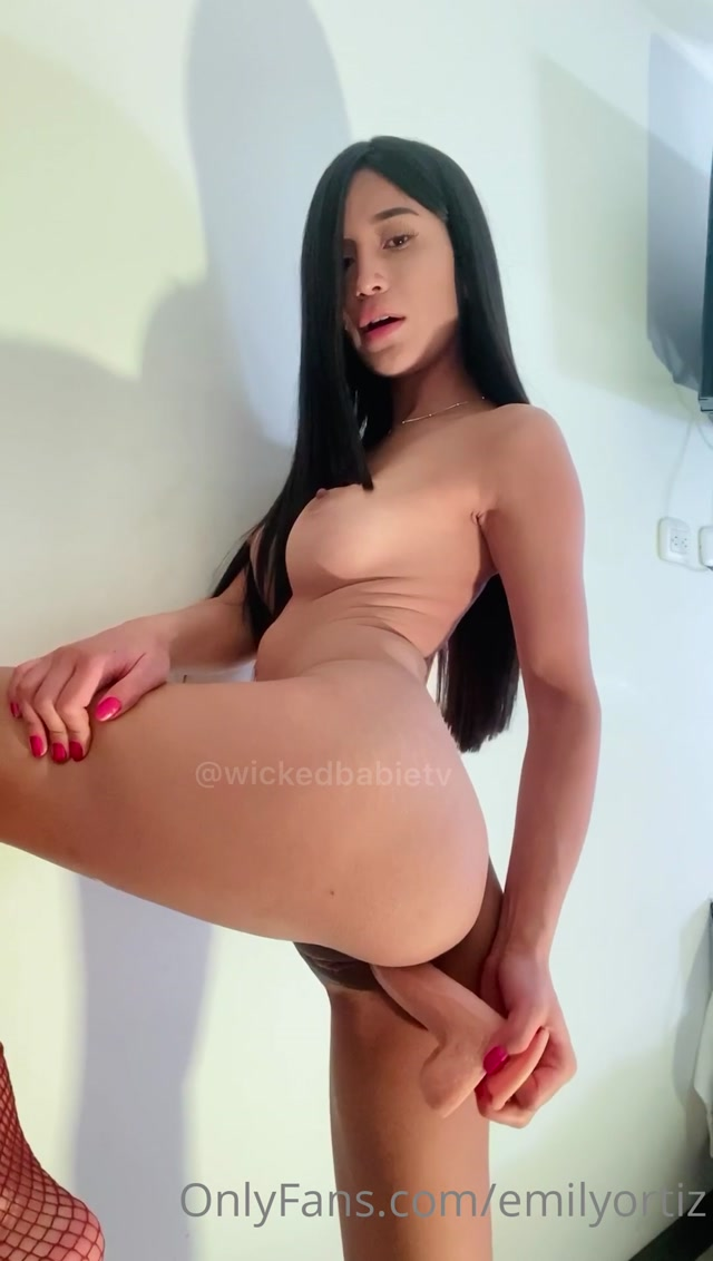 EmilyOrtiz_OnlyFans_Video_013.mp4.00001.jpg