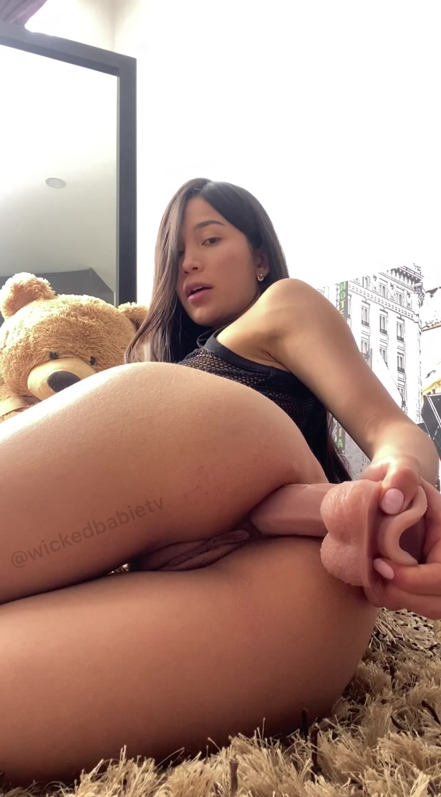 EmilyOrtiz_OnlyFans_Video_034.mp4.00000.jpg