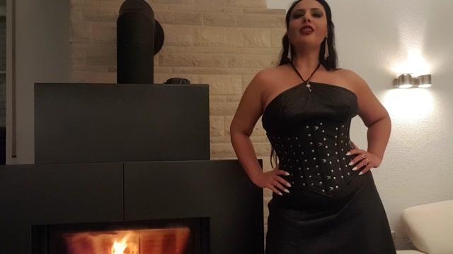 Ezada_Sinn_-_HOT_HOT_HOT._Cover_your_Dick_and_Balls.mp4.00009.jpg