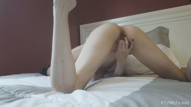 FTVMilfs_presents_Alora_Jaymes_-_Slender___Leggy_2_-_A_Florida_Return_-_04.mp4.00015.jpg