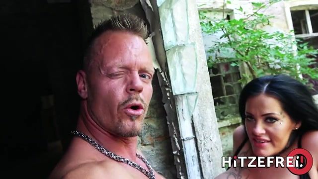 Hitzefrei_-_Ashley_Cumstar_in_Bodo_meets_a_needy_big-titted_MILF_and_fucks_her_in_the_park.mp4.00008.jpg