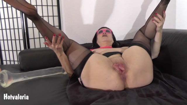 Watch Online Porn – Hotvaleria – Big Pussy Needs Big Dildo (MP4, HD, 1280×720)