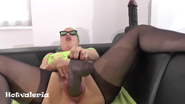 Watch Free Porno Online – Hotvaleria – I Fuck My Cunt With Fist And Huge Dildo (MP4, HD, 1280×720)