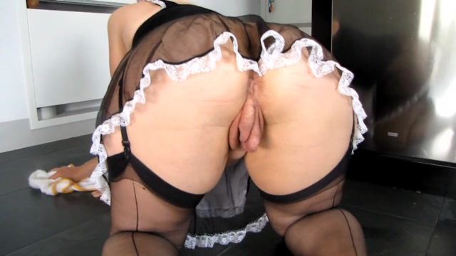 Hotvaleria_-_Maid_Showing_Off_Her_Loose_Pussy.mp4.00005.jpg