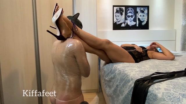 Watch Free Porno Online – Kiffafeet in Goddess Kiffa Cuckold Slave licks alpha cum and lick purple high heels soles CUCKOLD LICK ALPHA CUM – FOOT WORSHIP – CUM LICK- HIGH HEELS – $23.99 (Premium user request) (MP4, HD, 1080×1020)