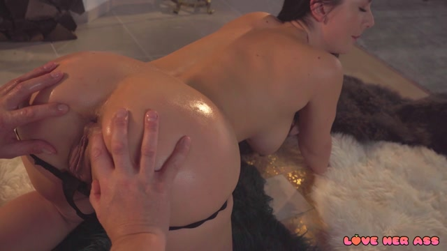 LoveHerAss_presents_Lady_Gang_-_Romantic_Anal_by_the_Fire_Place___05.01.2021.mp4.00003.jpg