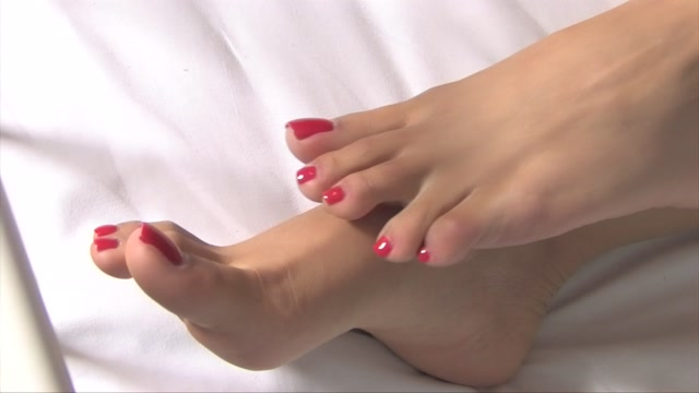 Noemi_s_World_-_Hera_-_Brunette_goddess_makes_you_lick_her_amazing_soft_soles.mp4.00000.jpg