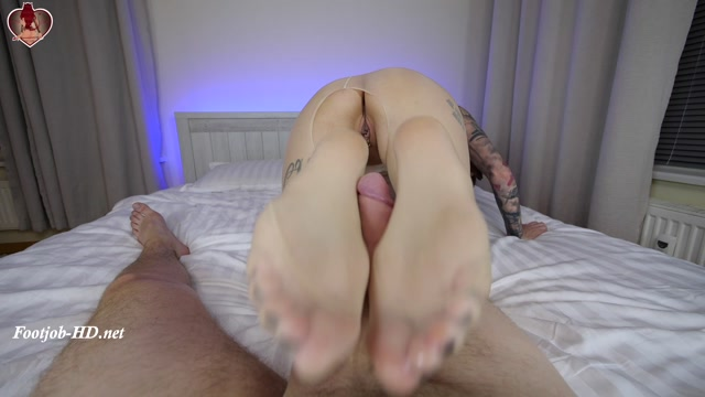 Pantyhose_worship_and_deep_pussyfuck_-_Flame_Jade.mp4.00007.jpg