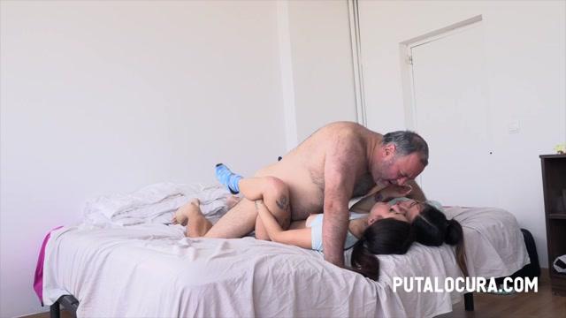PutaLocura_presents_Roma_Amor___Camila_Palmer_-_AN_AWESOME_THREESOME_-_CON_LAS_DOS_DIOSAS_A_LA_VEZ___14.01.2021.mp4.00011.jpg