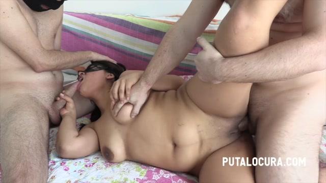 PutaLocura_presents_Urma_-_THREESOME_TO_THE_BIG_TITS_GIRL_-_TRIO_A_LA_TETONA.mp4.00014.jpg
