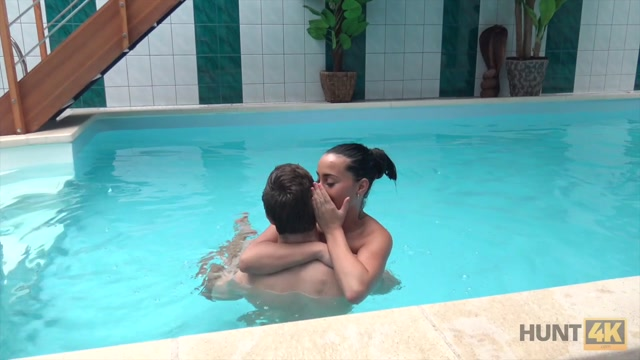 Watch Free Porno Online – Sex adventures in private swimming pool (MP4, HD, 1280×720)