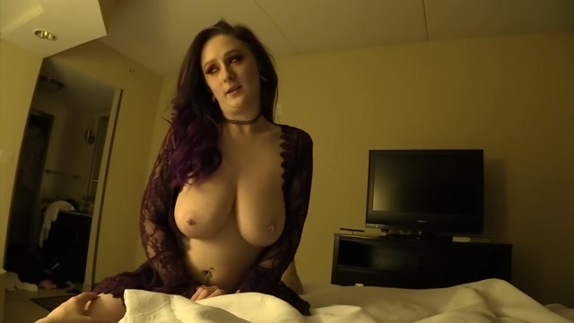 Undercoversluts_-_Nyx_Baltimore_-_My_Teen_Daughters_First_Lingerie.mp4.00006.jpg