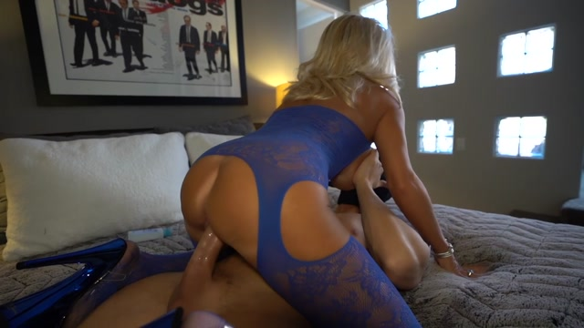 WifeysWorld_presents_Sandra_Otterson_New_Year_s_Blast___07.01.2021.mp4.00008.jpg