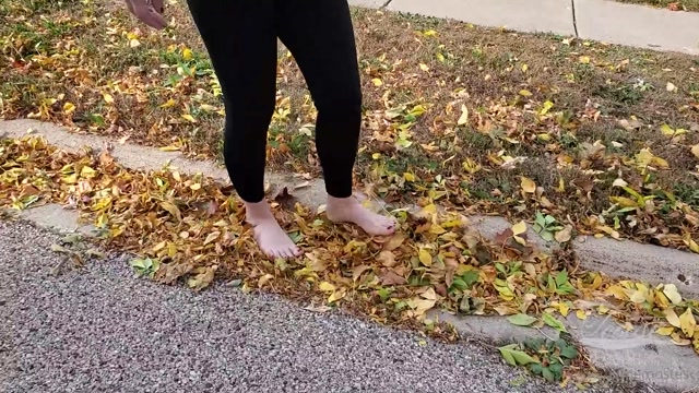 Watch Online Porn – doingthemostest 03-10-2020 Walking outside crunching on leaves an (MP4, FullHD, 1920×1080)