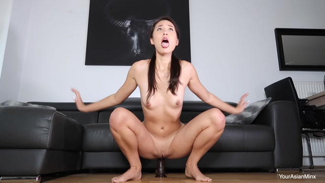 Alice_Chen_32_Taking_A_Giant_Black_Cock_In_My_Ass.mp4.00006.jpg