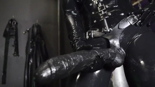 Cybill_Troy_-_Andrea_Untamed_-_Go_Big_Or_Go_Home.mp4.00007.jpg
