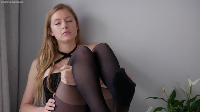 Goddess_Allexandra_-_Pantyhose_Bitch.mp4.00003.jpg