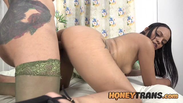 HoneyTrans_presents_Big_Dick_Latina_TS_Sabrina_Prezotte_Finds_Hot_Babe_For_Anal_-_22.02.2021.mp4.00010.jpg