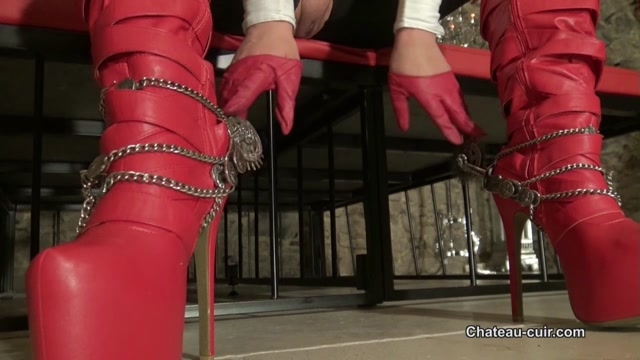 Leather_wank_in_boots_and_spurs.mp4.00013.jpg