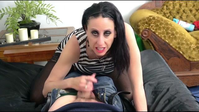 Lourdes_Noir_-_Amateur_POV_How_To_Cuckold_Your_Husband.mp4.00008.jpg