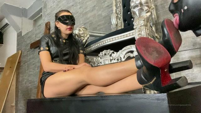 Mistress_Gaia_-_My_Dirty_Boots.mp4.00005.jpg