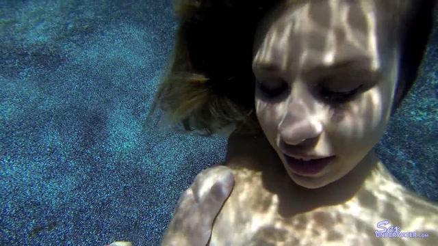 SexUnderwater_-__Carmen_Caliente_-_UW_Model_Training.mp4.00013.jpg