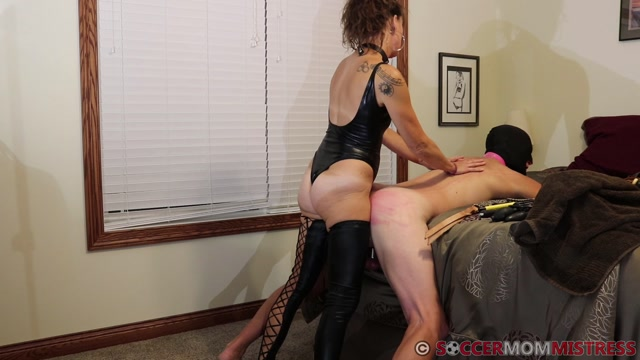 Soccer_Step-Mom_Mistress_-_BALLBUSTING_My_Pathetic_Bitch_Cuck_Husband.mp4.00005.jpg