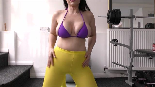 Superior_Woman_-_Gym_Wanker.mp4.00007.jpg