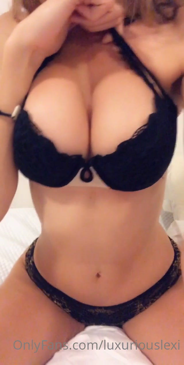 luxuriouslexi_11-05-2020-38618475-Look_at_that_natural_.mp4.00005.jpg