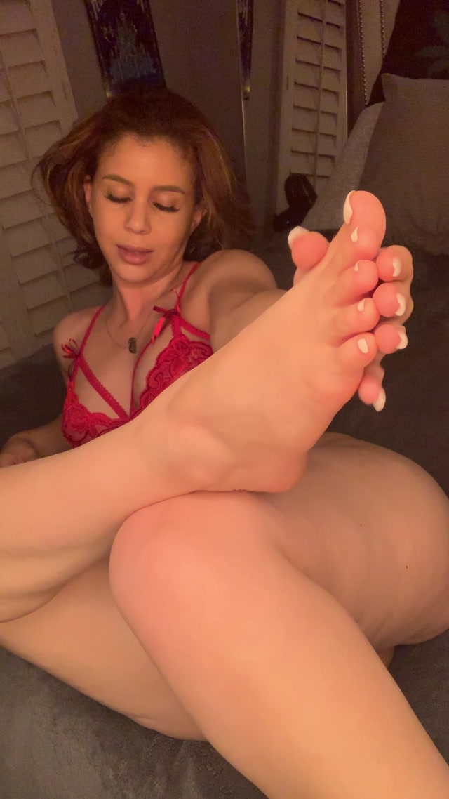 misslorin_11-10-2019-12124175-This_is_a_full_custom_video_that_I_m_giving_you_guys_acc.mp4.00005.jpg