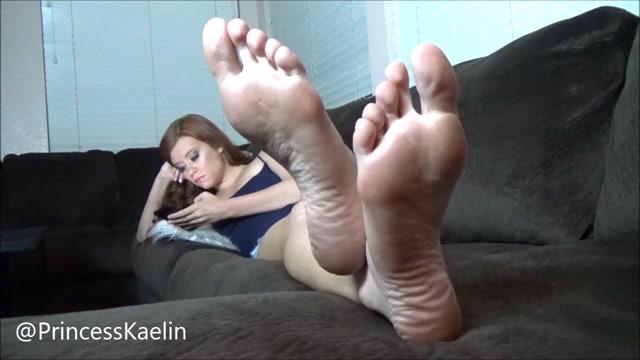 princess_kaelin_barefoot_ignore_custom.mp4.00010.jpg