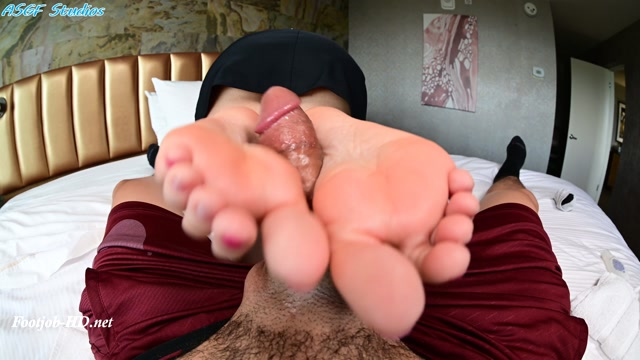 Blackmail_Step-Sister_to_give_you_a_footjob__Plus_toejob_and_handjob__-_Amateur_soles_giantess_and_footjobs.mp4.00008.jpg