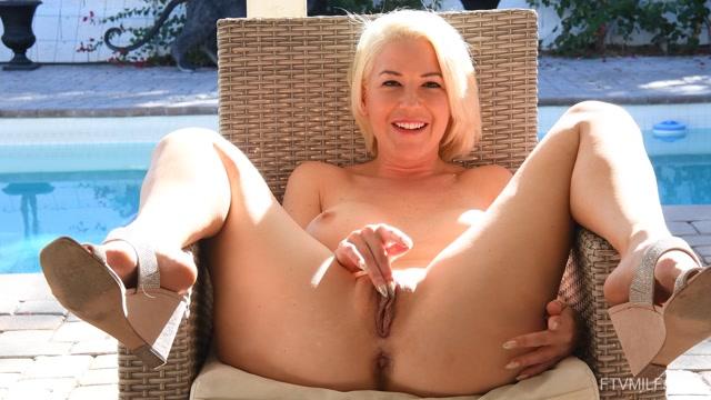 FTVMilfs_presents_Kit_Mercer_-_The_Flirty_Blonde_2_-_Returning_For_Pleasure_04.mp4.00010.jpg