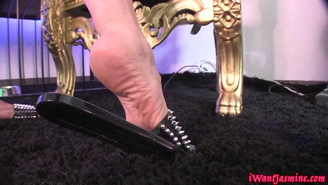 Goddess_Jasmine_Mendez_-_Cummy_Cover_Sandals_Worship_.mp4.00006.jpg
