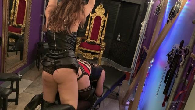 Goddess_Serena_In_Scene__Fucking_Roxy_s_boipussy.mp4.00010.jpg