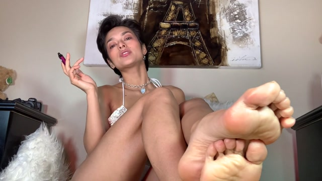 KingLexa_-_Superior_Feet.mp4.00001.jpg