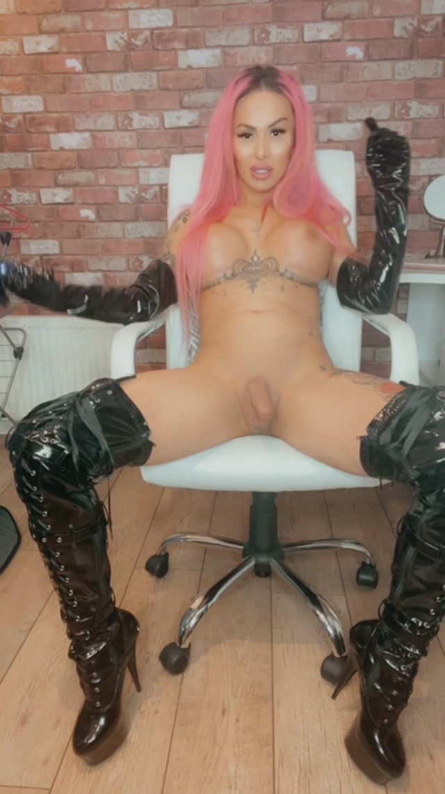 MiaMaffia.xxx_presents_Mia_Maffia___Are_You_Ready_To_Serve_Mistress_Maffia.mp4.00002.jpg