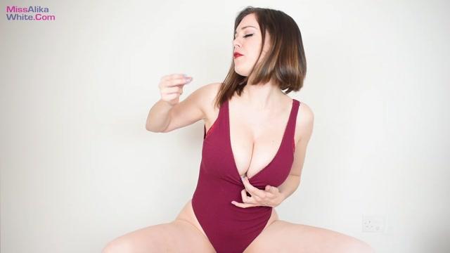 Miss_Alika_White_-_Got_A_Small_Cock.mp4.00014.jpg