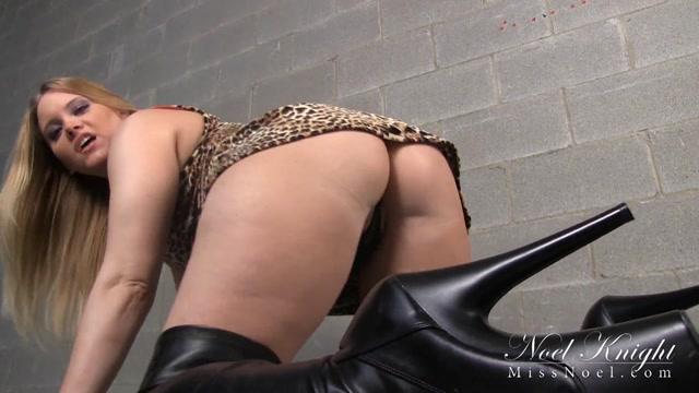 Miss_Noel_Knight_-_Captive_Pleasure_Slave.mp4.00008.jpg
