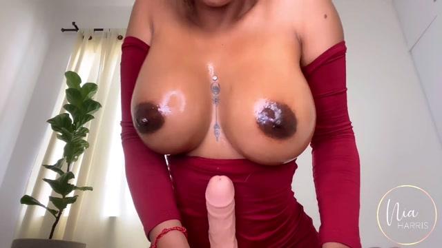 NiaHarris_-_My_Gold_Digger_Twin_Sister_Sucks.mp4.00006.jpg
