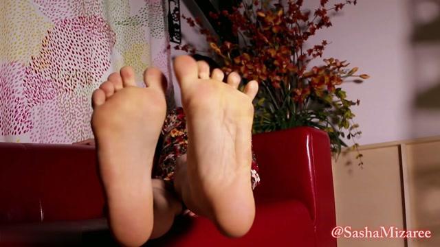 Sasha_Mizaree_-_You_are_a_foot_freak_forever.mp4.00012.jpg