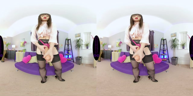 The_English_Mansion_-_Miss_Vivienne_lAmour_-_Sissy_Cock_Suck_-_VR.mp4.00000.jpg