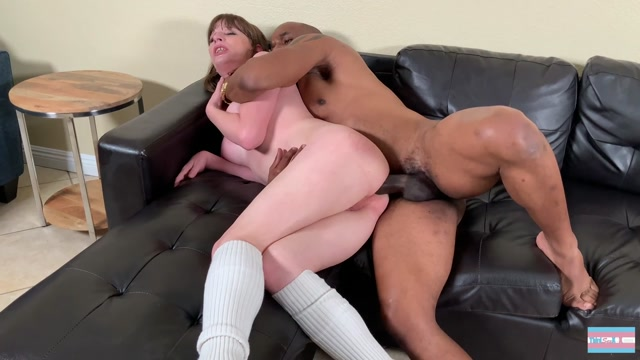 ThirdSexXXX_presents_Jamie_French_Gets_Smashed_By_Big_Black_Cock.mp4.00012.jpg