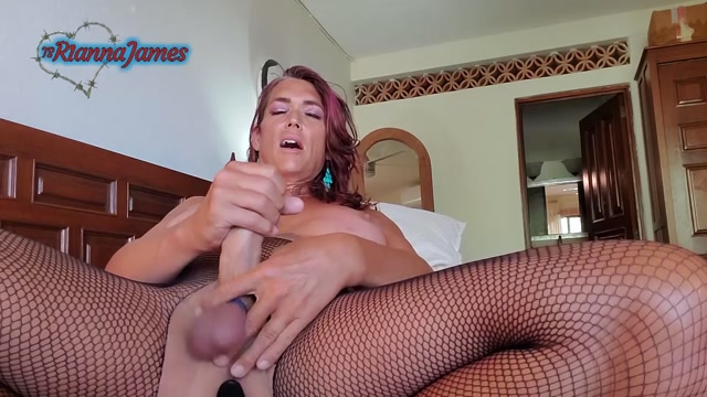 Ts_Rianna_James__Tied_Balls_in_Fishnet_Leggings.mp4.00009.jpg