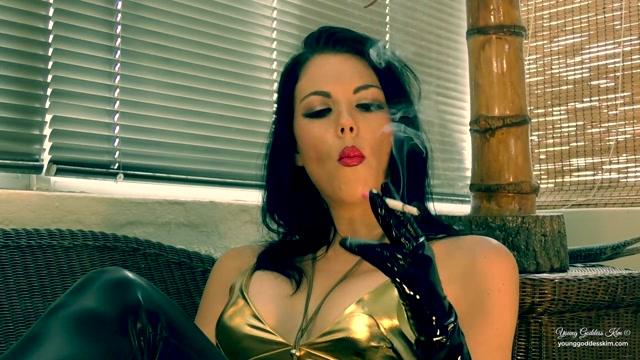 Young_Goddess_Kim_-_Pure_Addiction.mp4.00010.jpg